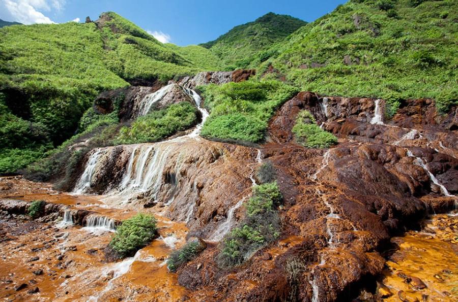 Jinggashi Waterfalls