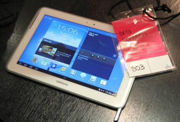 Hands-On: Samsung GALAXY Note 10.1 1