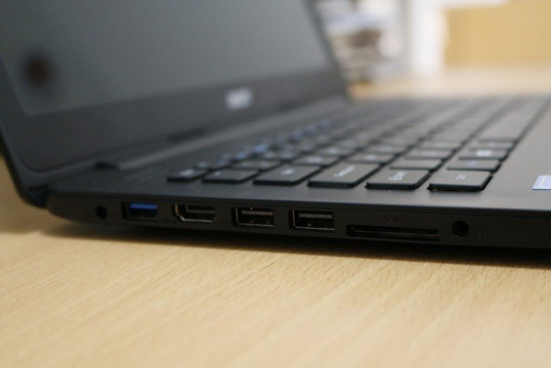 Acer One 14 L1410 (6)