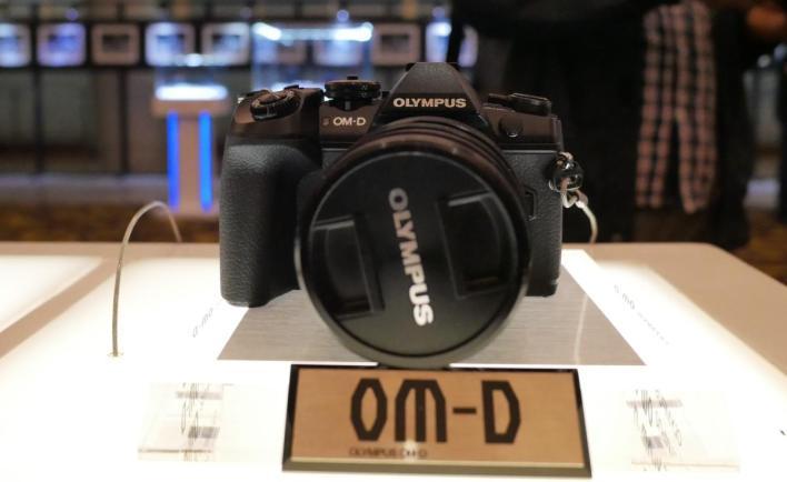 oympus-om-d-e-m1-mark-ii-2