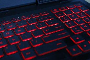 Review HP OMEN 15-ce086tx, Laptop <em>Gaming</em> Terjangkau dengan <em>Build Quality</em> Jempolan 5