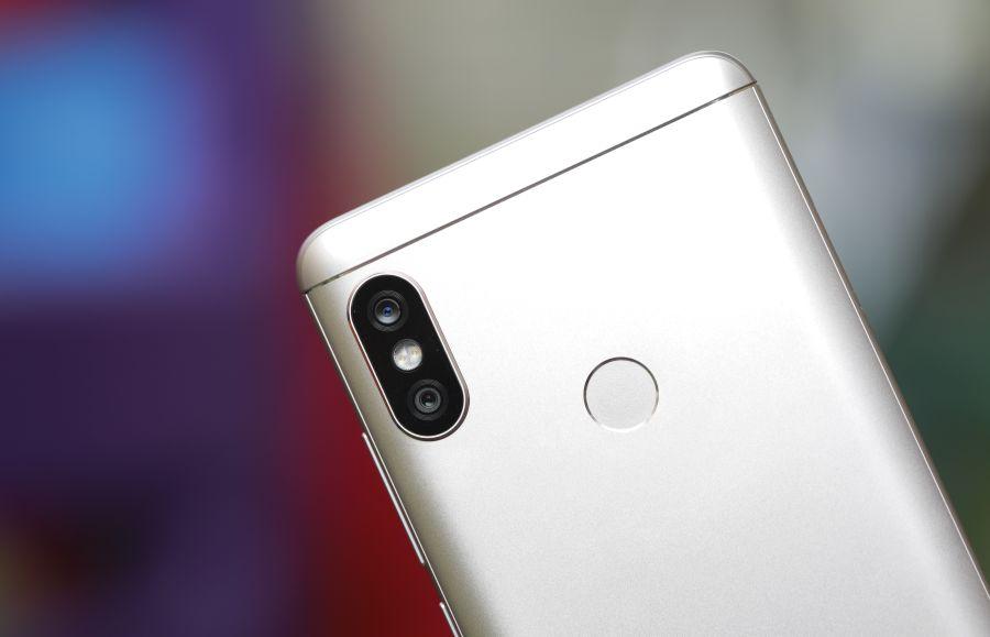 Efek bokeh yang dihasilkan tergolong rapi di kondisi pencahayaan yang  cukup. Kamera Redmi Note 5 cukup akurat ketika memisahkan antara objek foto  utama ... 6e02539fd6