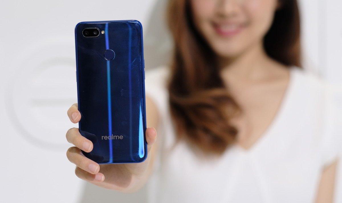 [Gadget Guide] Panduan Membeli Smartphone Realme untuk Hadiah Valentine 2019 17 Gadget Guide, Panduan Belanja, Realme, realme 2, realme 2 pro, Realme U1
