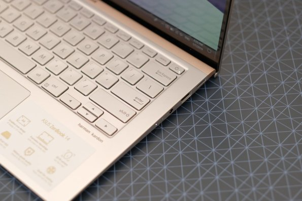 ASUS ZenBook 14 UX433F-3