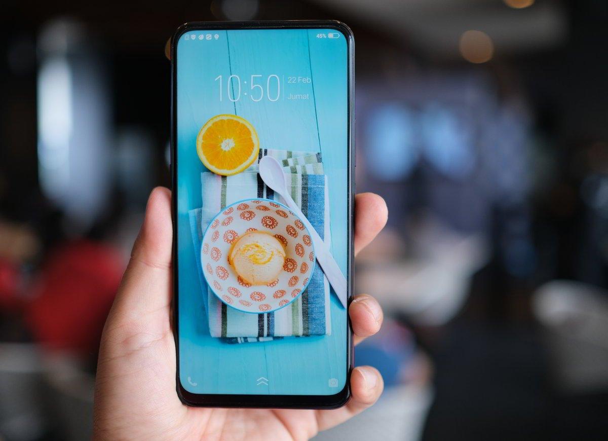 [Gadget Guide] 7 Smartphone Pilihan dengan Layar Penuh Tanpa Poni dan Bezel Tipis 18