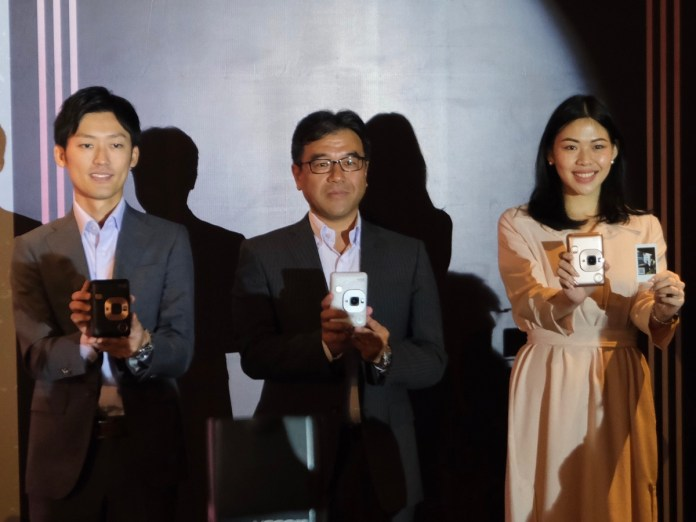 Dijual 2 Jutaan Rupiah, Fujifilm Instax Mini LiPlay Kamera Instan Pertama dengan Fitur Rekam Suara 1