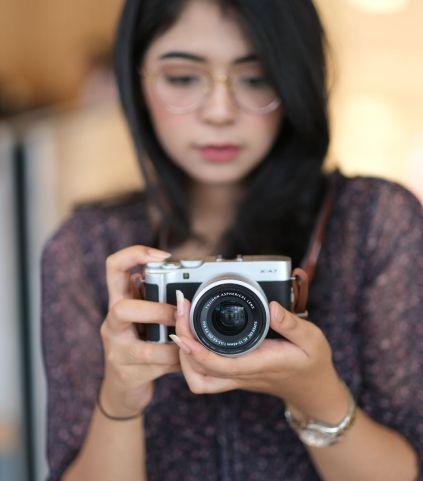 Fujifilm X-A7 tampak depan