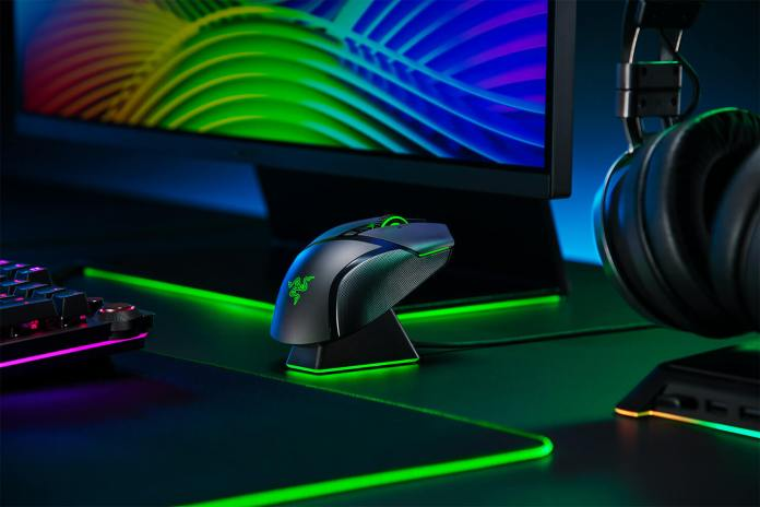 Razer Perkenalkan Duo Mouse Gaming Wireless, Basilisk Ultimate dan Basilisk X HyperSpeed