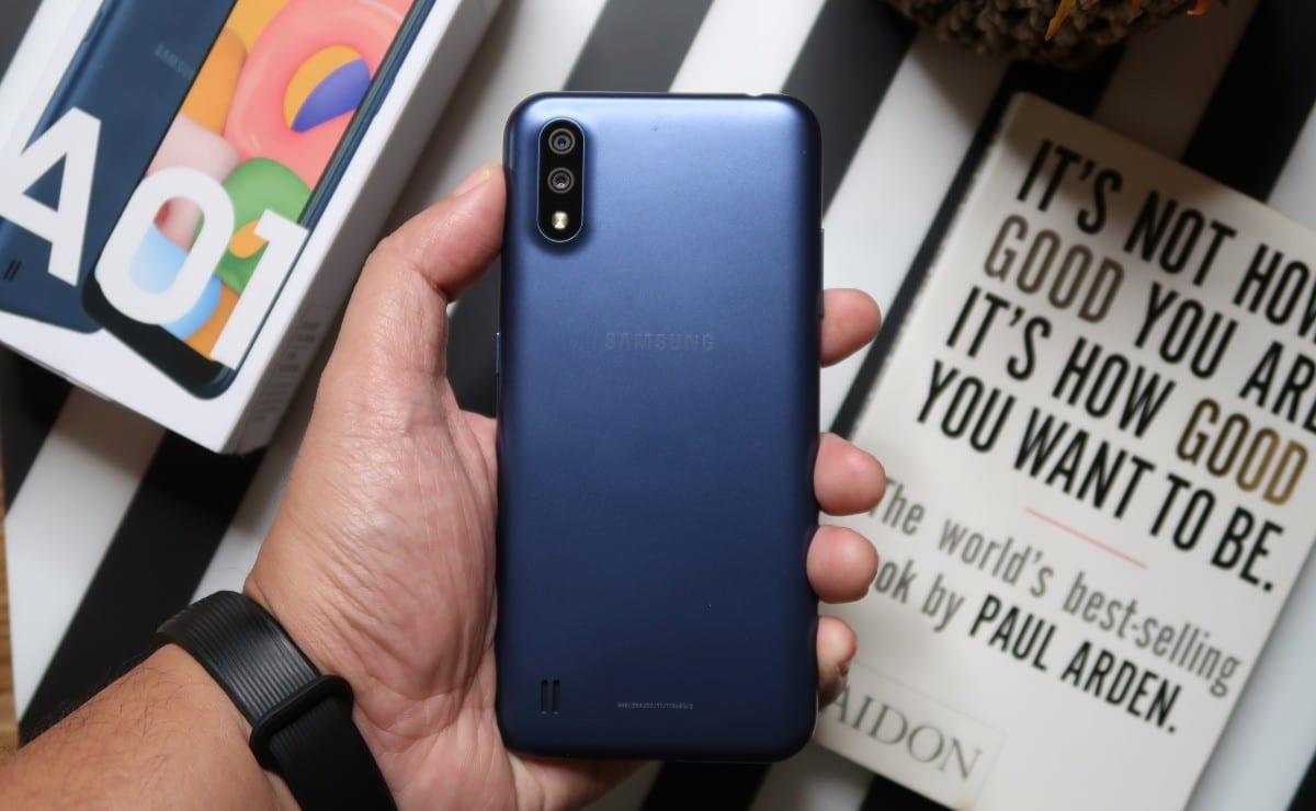 Samsung Galaxy A01 1