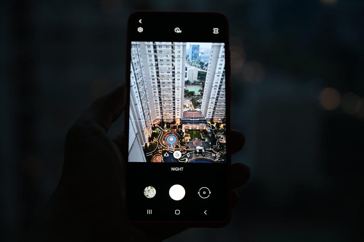 Samsung Galaxy S20 night mode