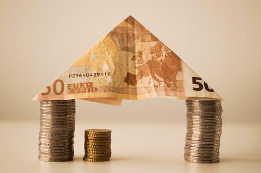 house illustration made of money