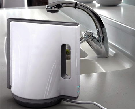 Braun Geometrical Kettle Design by Emi Schenkelbach