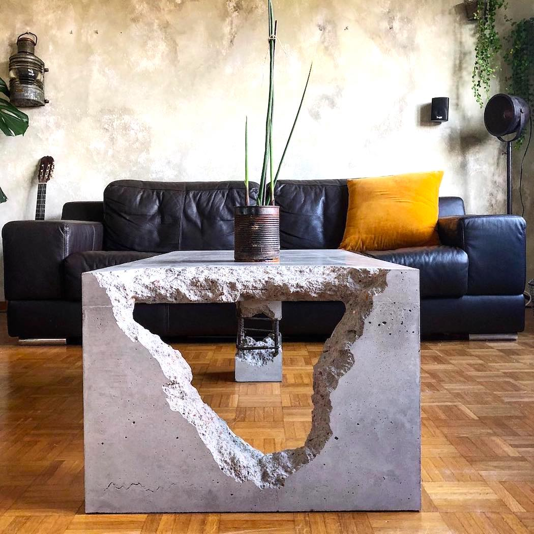 coffee_table_by_adorTable_1