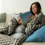 Finally A Weighted Blanket That S Cozy Breathable Stylish And Machine Washable Yanko Design