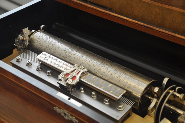 Boîte à musique à cylindre - Visite du CIMA, le centre international de le mécanique d'art à Sainte-Croix. Crédit photo: Yapaslefeuaulac.ch