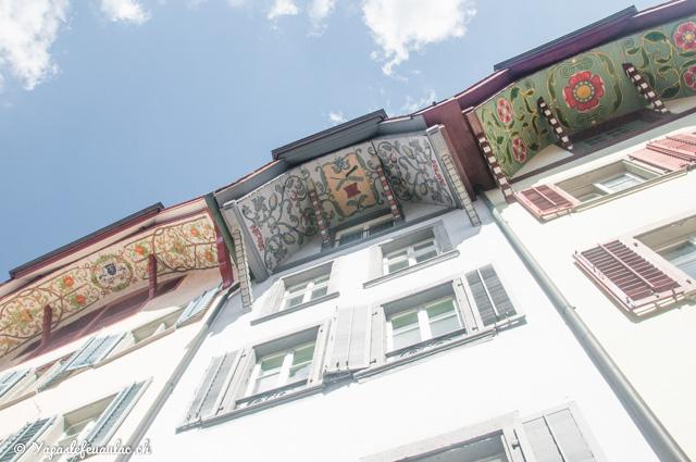 À Aarau, en Suisse: les incroyables avants-toits peints