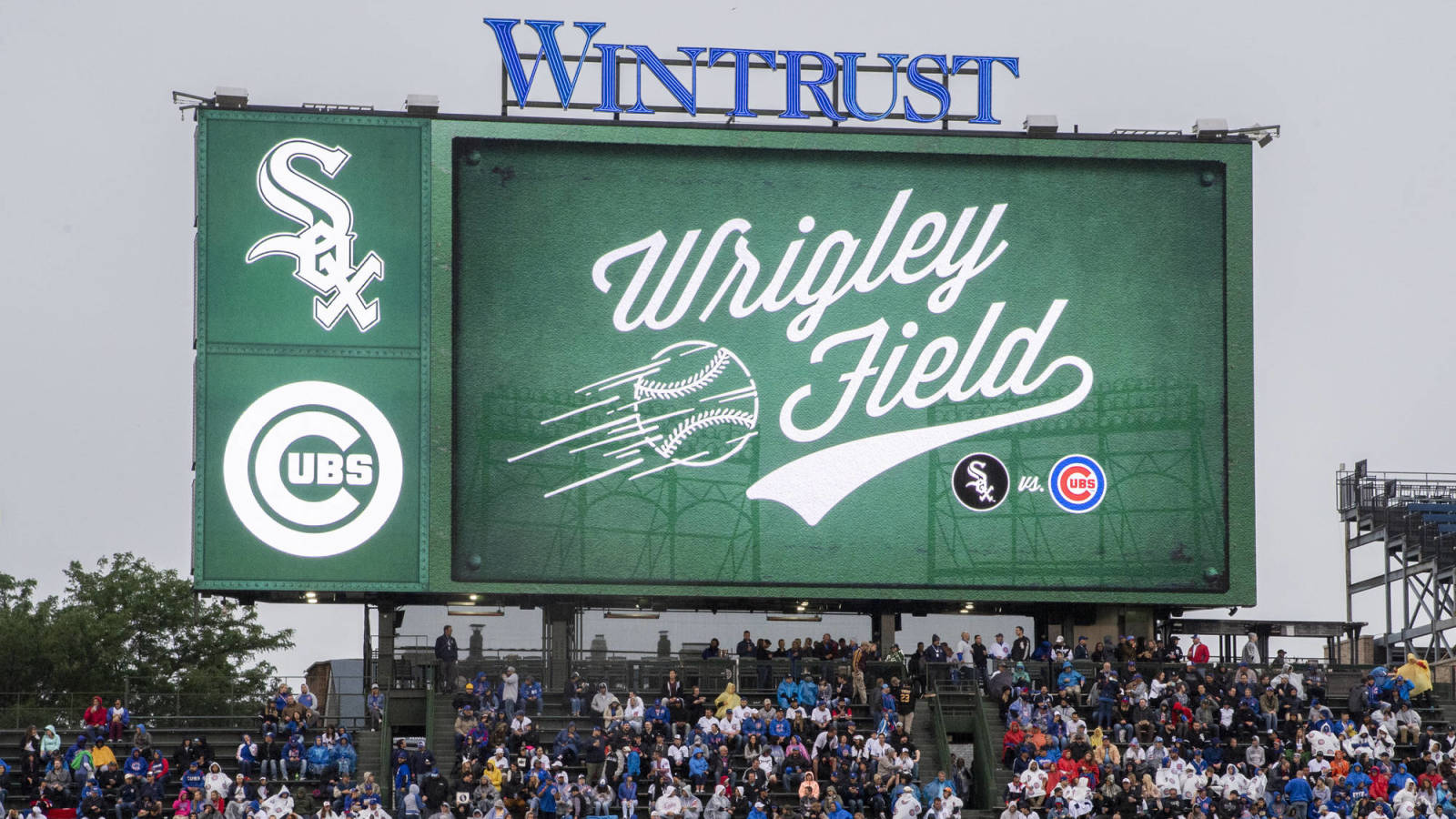 Photo of Illinois opens Cubs, White Sox ballparks to fans for games