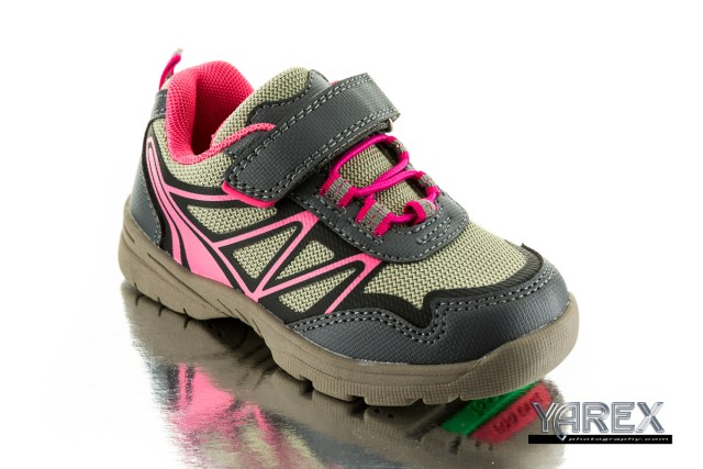product photography of a running shoe in bangkok thailand