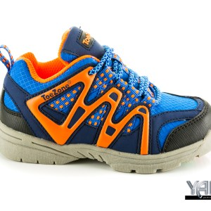 Product photograph of a running shoe in Bangkok, Thailand