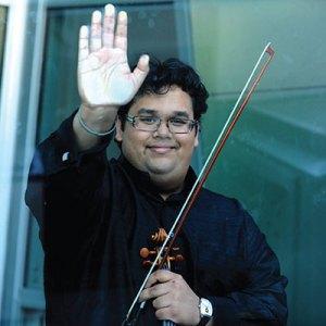 Robert Vijay Gupta, Violinist, Yarlung Artist