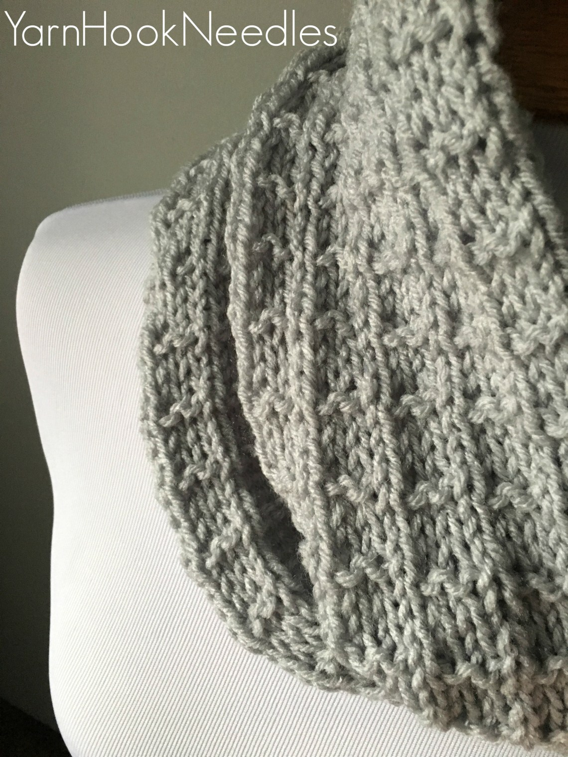 Square Knit Cowl with FREE Pattern! - Yarn|Hook|Needles