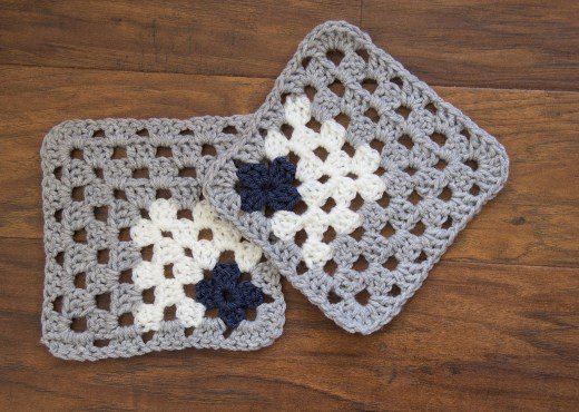 Off-Centered Granny Square - Pattern & Tutorial - Yarn Tale Collective