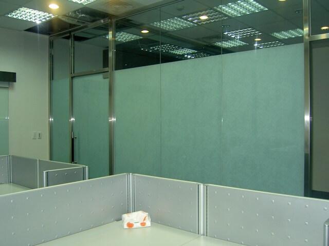 辦公室裝潢-唱片公司玻璃隔間辦公室