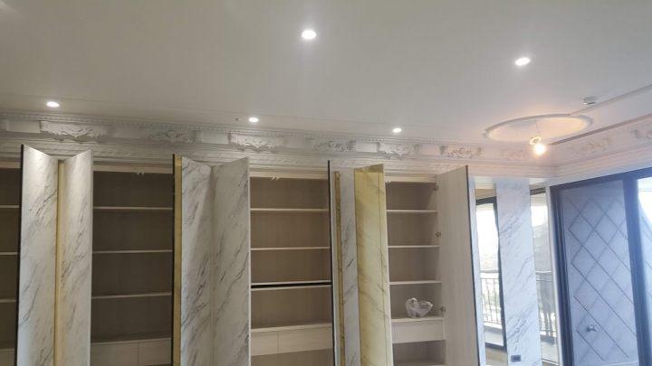 南京東路置物櫃面貼金屬及石紋美耐板