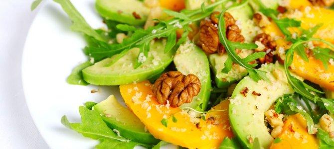 Yazın, formunuzu korumaya yardımcı olacak 9 yiyecek