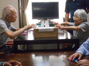 20150808-紙相撲を作って遊びました。