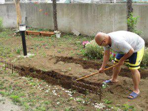 20150520-5月上旬から、お庭で夏野菜を育てています!2