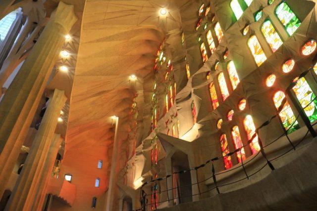 再訪聖家堂高第建築,巴塞隆納驚險遇扒 @YA !野旅行-吃喝玩樂全都錄