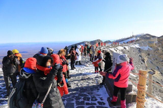 超過零下三十度的嚴寒挑戰,雪季的長白山天池 @YA !野旅行-吃喝玩樂全都錄
