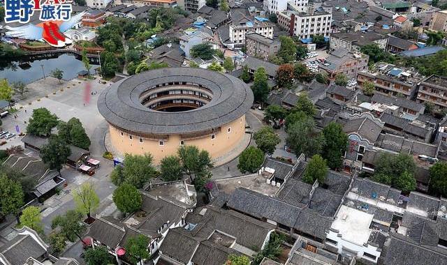 四川|成都 聲控的空拍機 搭直昇機航拍超大器 @YA !野旅行-吃喝玩樂全都錄