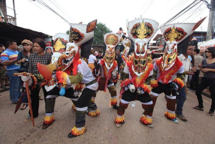 泰國雷府 一點都不恐怖的皮塔空(鬼臉)節即將登場 @YA !野旅行-吃喝玩樂全都錄