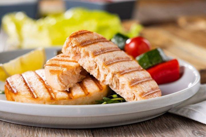 搶即食商機 24小時解悶解饞救星-「美威香烤鮭魚排」進駐全台7-ELEVEN @YA !野旅行-吃喝玩樂全都錄