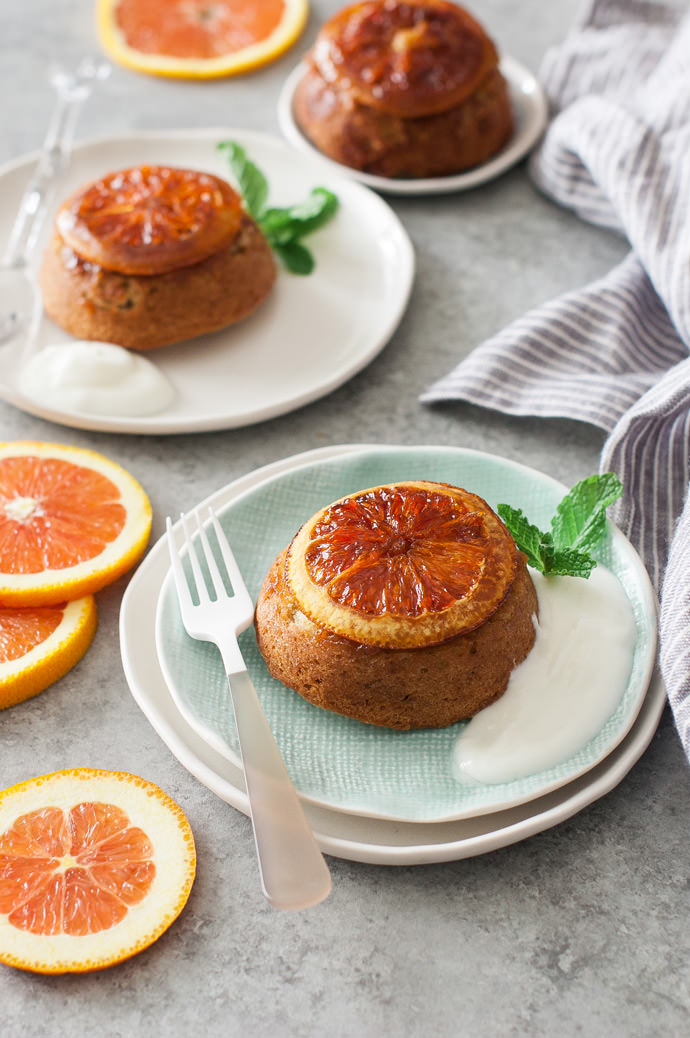 Десерт с жареными апельсинами: «Перевёрнутые» оливковые кексы