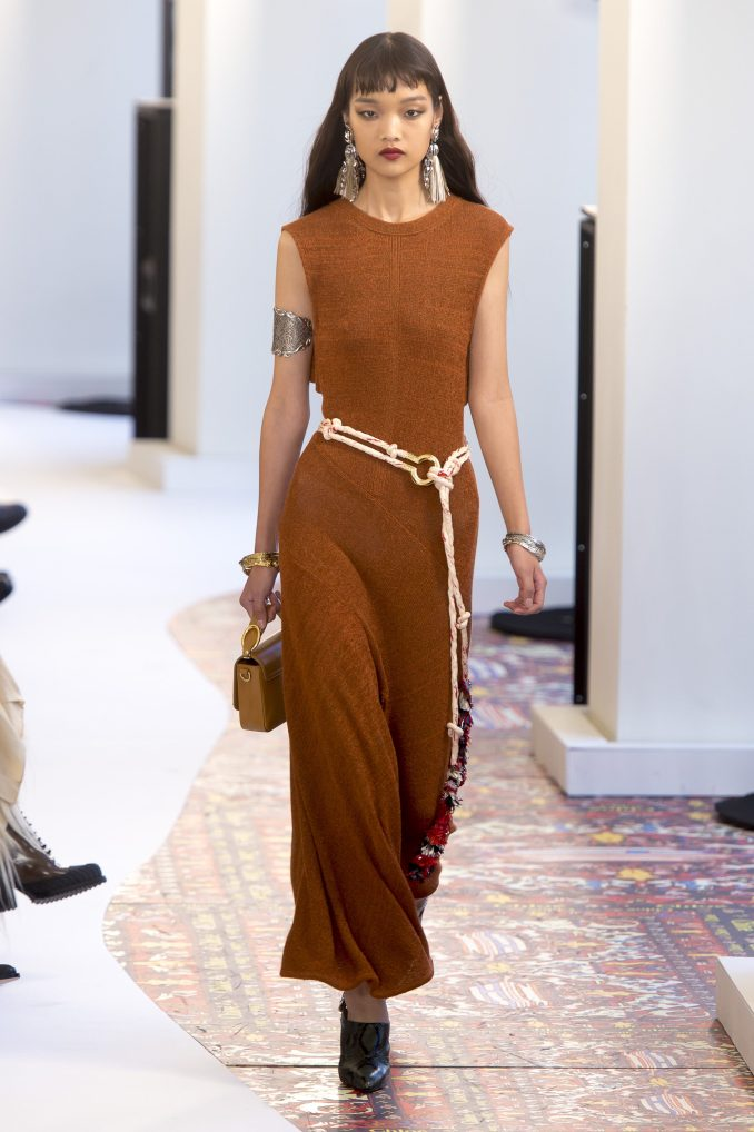 Chloé Long, tight-fitting dress 2019 brown with an original belt