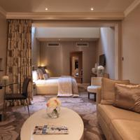 Best hotel in London for free loyalty program rewards free night The May Fair