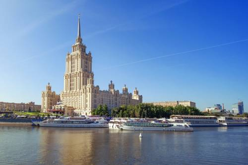 Best hotel to get free loyalty member reward nights in Moscow : Radisson Royal Hotel