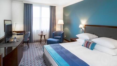 Best hotel to get free loyalty program reward nights in Wroclaw : Radisson Blu Hotel
