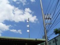 天線架設於高壓電線旁,並未造成任何影響
