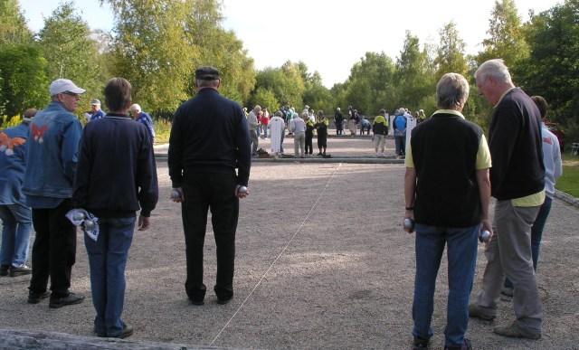 Fullfart på banorna när Kindsringenmästerskapet avgjordes i Hökerum.