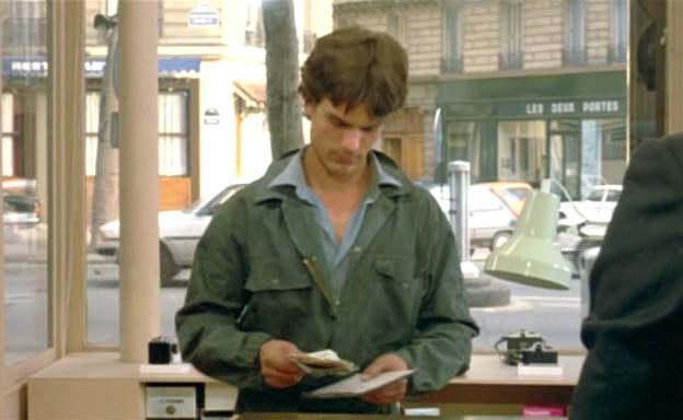 Robert Bresson-L'Argent (1983).avi_snapshot_00.08.00_[2011.04.15_01.01.23]