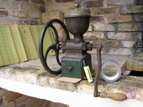 moulins a cafe peugeot anciens