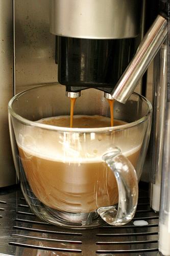 Comment nettoyer machine a café delonghi ?