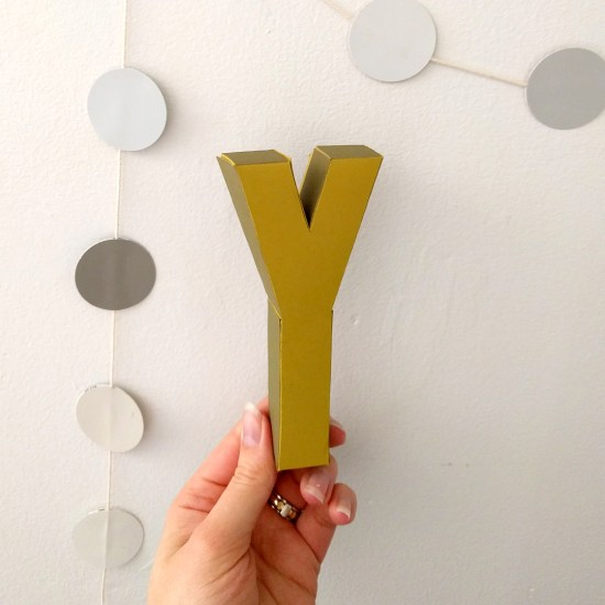 Papercraft alphabet - the letter 'y'