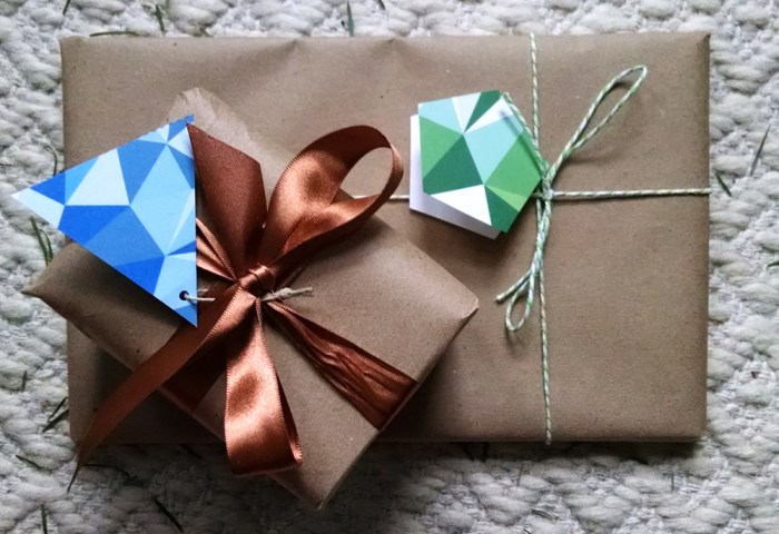 gift-tag-packages-horizontal-sm