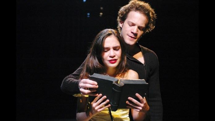 מתוך המחזה ״המלט״ של הקאמרי משנת 2005