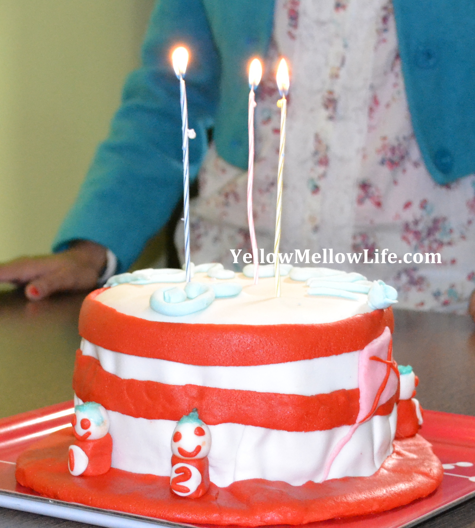 The Cat In The Hat Birthday Cake Yellow Mellow Life